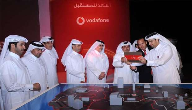 HE the Minister Jassim bin Saif al-Sulaiti leads ceremonial speed test of Vodafone's 5G network whil