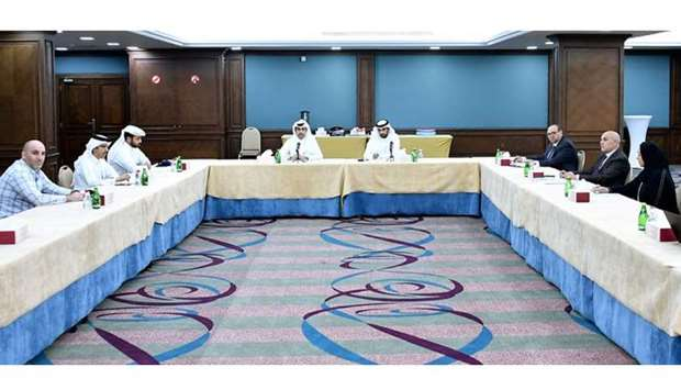 A Qatar Chamber panel recently met to discuss activating the electronic link between QC and the Mini