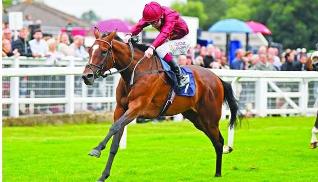 Oisin Murphy rides Future to victory in the Fitzdares Supports The British Racing School Fillies' No