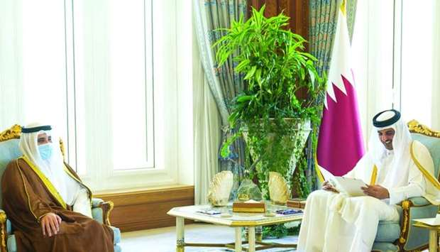 Amir receives written message from Kuwait Dy Amir and Crown Prince
