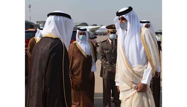 HH the Amir arrives in Kuwait