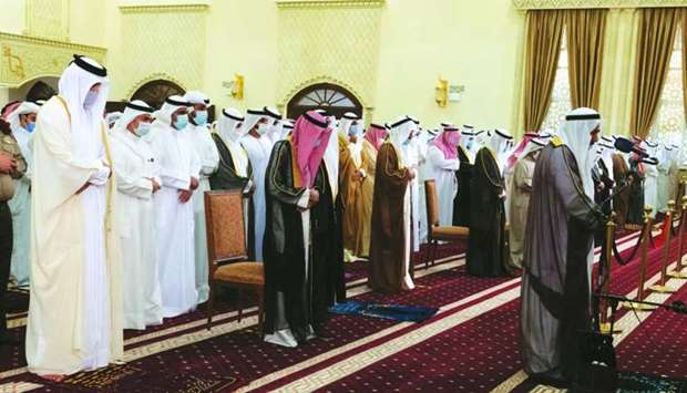 His Highness the Amir Sheikh Tamim bin Hamad al-Thani participated Wednesday in the funeral prayer o