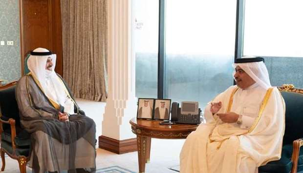 Al-Kuwari meets Central Bank of Kuwait governor, Chad finance minister