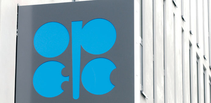 Oil prices dropped last week as traders reacted to more news of economic strains, while taking Opec'