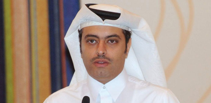 Sheikh Dr Mohamed bin Hamad al-Thani speaking at a forum.